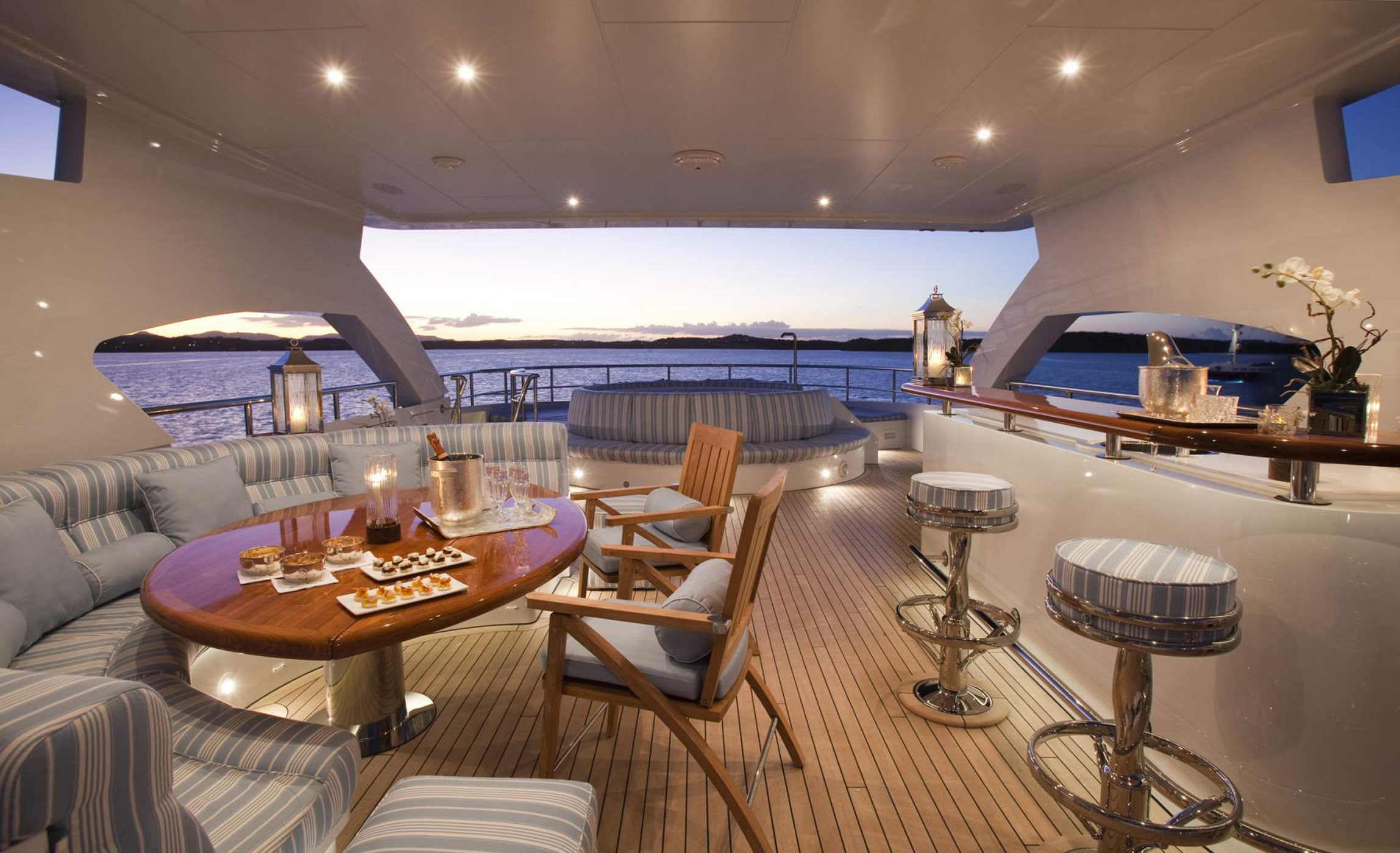 Blind date private motor yacht a lighting project by light and
