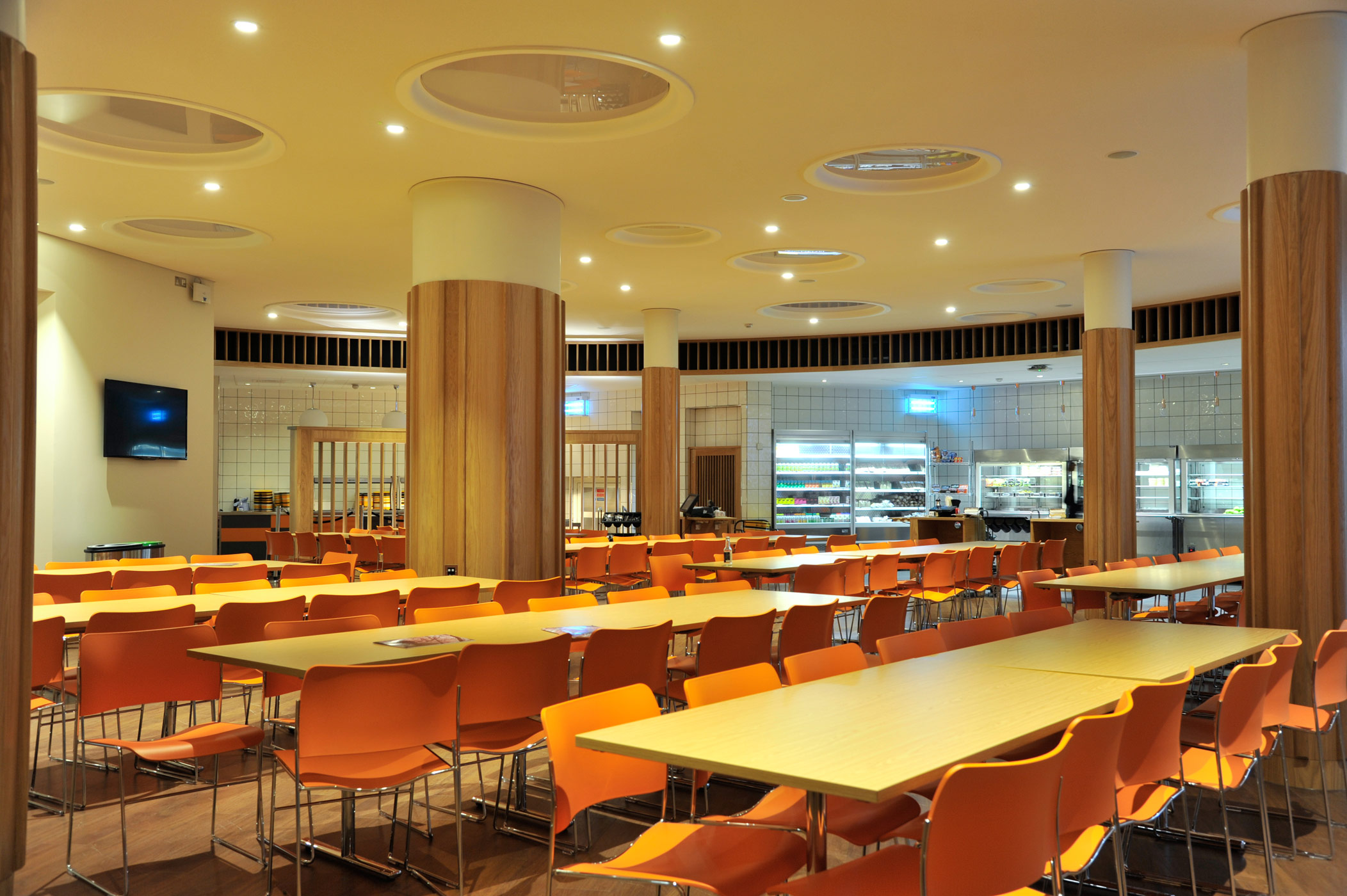 American school in london a lighting project by light and design